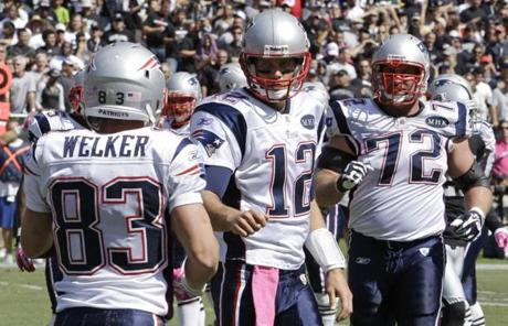 The Patriots improved to 3-1 and moved into a tie for the best record in the AFC East.