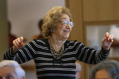 Resident Beatrice Traiman danced to a song Kliman played.