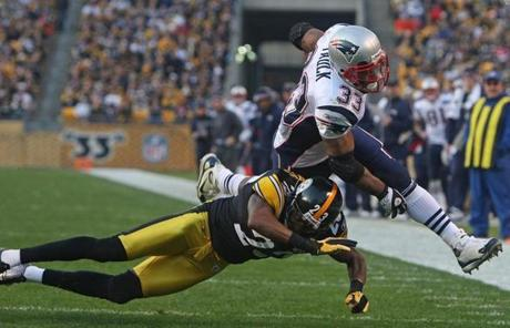 Pittsburgh, PA - 10/30/11 - (1st half)New Running back Kevin Faulk was tackled just short of the goal line.