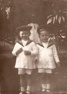 Alastair Maitland (right) at age 4 in Uganda with his brother, Douglas.