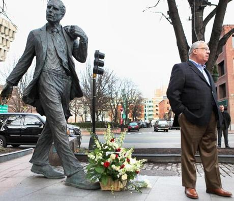 Boston, MA 012812 Mayor Thomas M. Meninol (cq) paused to offer his respects at former Mayor Kevin H. White's statue at Faneuil Hall in Boston, Saturiday, January 28 2012. (Globe Staff Photo/Wendy Maeda) section: Metro slug: 29white reporter: