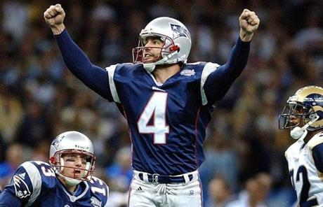 Adam Vinatieri's 48-yard field goal as time expired clinched a 20-17 defeat of the Rams for the Patriots in Super Bowl XXXVI.