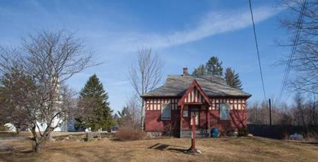 The Spear Memorial Library was built in 1902, when Shutesbury had fewer than 500 people.
