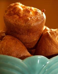 Boston, MA 7/30/07 Ula Cafe' sells popovers - baked fresh every day at Ula - for $1.25 each. (Pat Greenhouse/Globe Staff) Section: Food; Library Tag 08082007