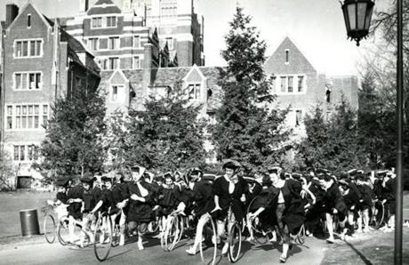 May 1, 1961 : Seniors raced during the annual May Day hoop rolling contest at Wellesley College. Though not graduation, it's a spring senior activity worth noting. Fleet-footed Lee Allen, 21, of Rochester, NY, rolled her hoop across the finish line first. According to tradition, she would be the first member of the senior class to marry. We don't know if that happened.
