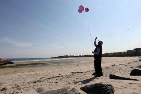 Rockport, MA - 5-17-12 - Every Thursday David Harrison (cq) goes to the beach, reads a prayer and releases balloons at the scene where his grandaughter Caleigh Harrison (cq) went missing. (Globe staff photo / Bill Greene) section:g, reporter:english, Topic: harrison