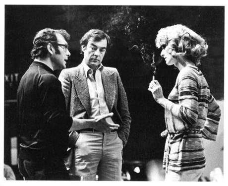 "Director Harold Pinter talks to Richard Johnson and Maria Aitken on their 1976 collaboration on Noël Coward's ""Blithe Spirit"" for the National Theatre in London. Aitken, a veteran actress in Coward plays, is now directing the Huntington Theatre Company's production of his ""Private Lives.''"