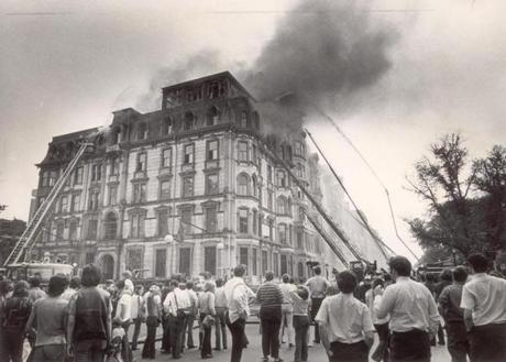 June 17, 1972: A crowd gathered at the corner of Dartmouth Street and Commonwealth Avenue to watch the Boston Fire Department fight the four-alarm blaze in the former Hotel Vendome.