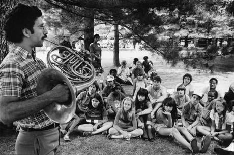 BSO hornplayer Daniel Katzen teaches students at Tanglewood on July 30, 1983.