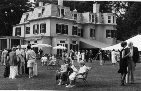 Highwood Manor at Tanglewood serves as a gathering point for patrons on June 28, 1991