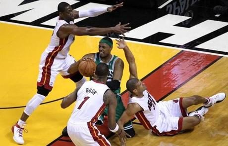 Paul Pierce passed after winning a loose ball in the first quarter.
