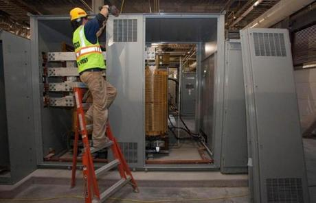 The center is expected to use at least 25 percent less energy than the typical data center.