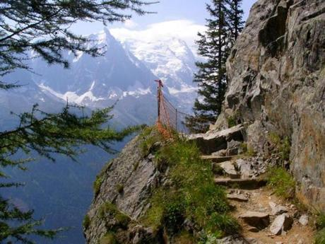 The Grand Balcony South trail, which includes this tricky stretch, offers a spectacular view of the Aiguille du Midi (left) and Mont Blanc rising across the valley.