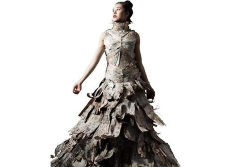 Jessica Tenczar's dress is made of birch bark.