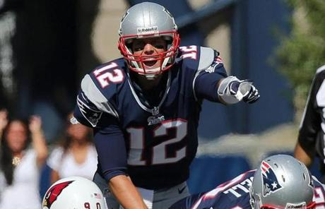 Tom Brady directed his troops in the first quarter.