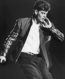 photo by Bill Greene b&w July 29, 1990 New Kids on the Block Jordan Knight in limelight at Foxboro. bw ----- 0930NKOTB