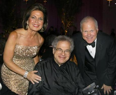 9-22-2012 Boston, Mass. Over 550 guests attended a dinner in a tent behind Symphony Hall, the celebrate the 132nd Opening Nightfor the Boston Symphony Orchestra. Gala Chairs Roberta and Stephen Weiner with guests conductor Itzhak Perlman, the event raised 2 Million Dollars. Globe photo by Bill Brett