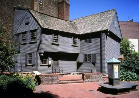 The oldest house in Boston, the Paul Revere House is where Revere started his midnight ride in 1775. It shows a historically significant place, as well as what life looked like in the 17th and 18th centuries.