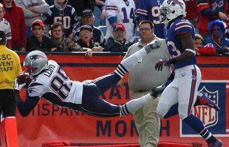 Brandon Lloyd made this leaping catch for a touchdown in the fourth quarter