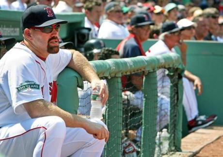 Youkilis did not play on the day after Valentine's remarks, and sat at the opposite end of the dugout from the manager during that day's loss to Tampa.