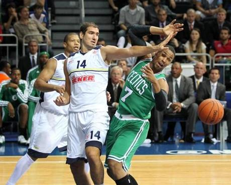 The Celtics opened their 2012-2013 preseason Friday against Turkish club Fenerbahce Ulker.