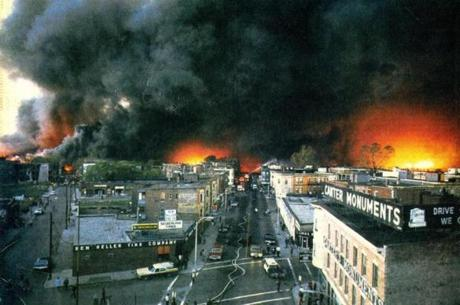 October 14 1973 /  View from the Mystic River Bridge as fire races through Chelsea. Box 215, the same box which sounded the alarm for the Chelsea fire of 1908 was pulled from the street at 3:56 p.m.