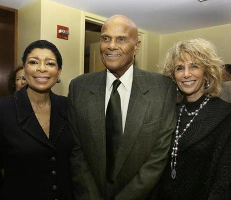 10-13-2012 Cambridge, Mass. 300 guests attended South Africa Partners 2012 Annual Celebration held at the Boston Marriott Cambridge Hotel. L. to R. are Honored guest Carol Fulp of Boston and Harry Belafonte and his wife Pamela. Globe photo by Bill Brett