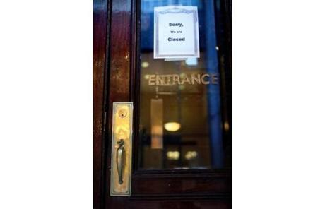 One of the city's oldest restaurants, Locke-Ober quietly shut down Saturday night with no notice except a sign on the door.