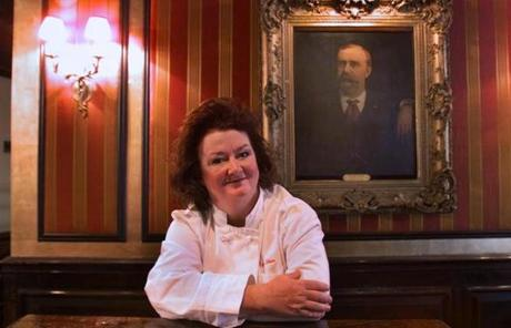 In 2001, celebrity chef Lydia Shire and business partner Paul Licari took over Locke-Ober and embarked on a much-lauded restoration