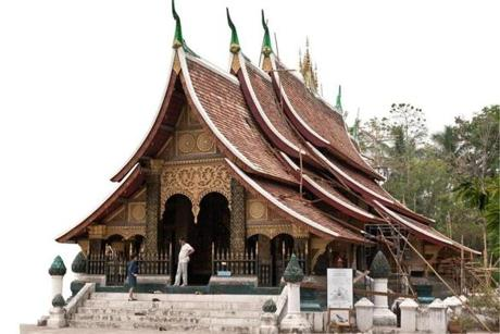For Travel - 04laos - Luang Prabang's Xieng Thong wat. (Joe Ray)