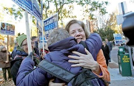 SLIDER Cambridge, MA., 11/06/12, Elizabeth Warren votes and greets supporters at the Graham and Parks School. Section: Metro Suzanne Kreiter/Globe staff