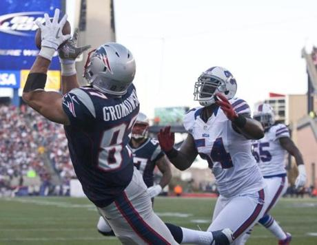 Rob Gronkowski made a leaping touchdown reception during the second quarter.