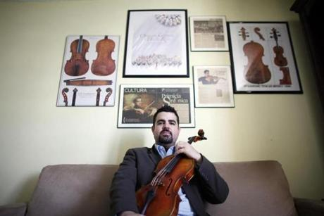 Jaime Amador from San Juan, Puerto Rico is the new violist in the Harlem Quartet. He will move to New York and replace Juan Miguel Hernandez.
