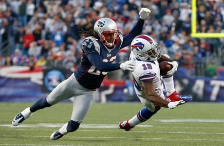 Marquice Cole stopped the Bills' Donald Jones in the second half.