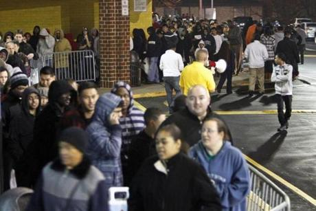 People waied in line Thursday for a Best Buy store in Northeast Philadelphia to open at midnight.