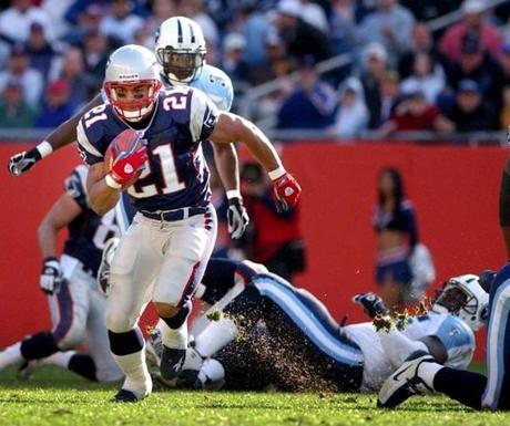 Mike Cloud scored two touchdowns for the Patriots.