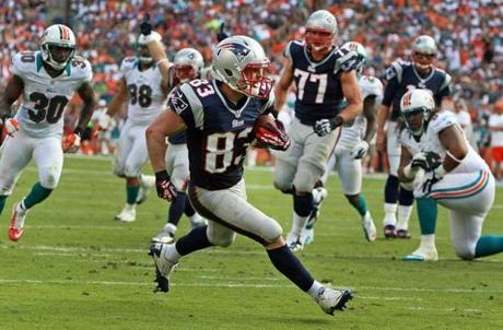 Welker was all alone as he walked into the end zone with a second quarter touchdown.