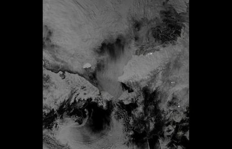 Using the Visible Infrared Imaging Radiometer Suite (VIIRS), the satellite was able to monitor the Arctic sea ice.