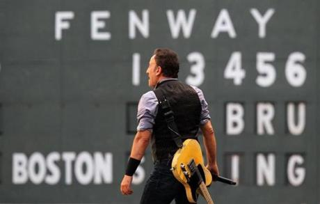 Boston, MA - 08/14/12 - Bruce Springsteen in concert at Fenway Park. - (Globe Staff Photo / Barry Chin), section: Lifestyle, reporter: James Reed, slug: 15Bruce, LOID: 5.0.2281561885.