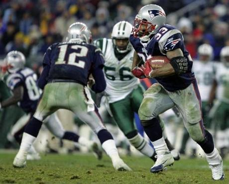 Kevin Faulk  got a block from an unusual spot when Tom Brady helped clear the path for him on a trick play.