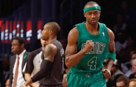 Jason Terry pumped his first after notching two of his 11 points in the first quarter.