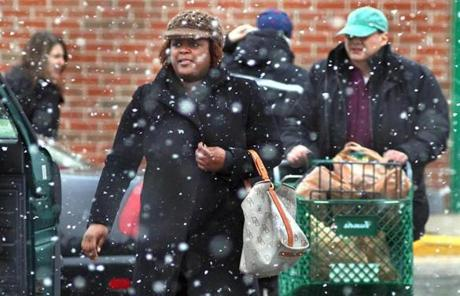 A major winter storm that could dump up to a foot of snow started pummeling Mass. this afternoon.