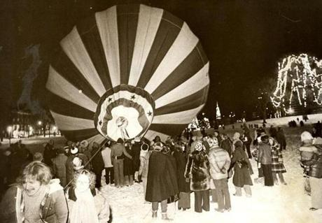 December 31, 1976: The only real disappointment of the night was the 200-foot red and white balloon scheduled to be lofted at 9:30 near the stage on the Boston Common baseball field. It never got off the ground. Gusting winds up to 30 mph kept collapsing the balloon and workers, buffeted by winds and cold gave up the battle shortly before 10 p.m.