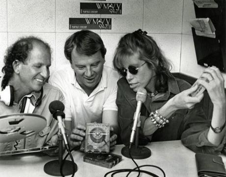 Peter Simon, former program director and morning DJ Jeff Damon, and Carly Simon during an on-air fund-raiser for the Martha's Vineyard Hospital circa 1988.