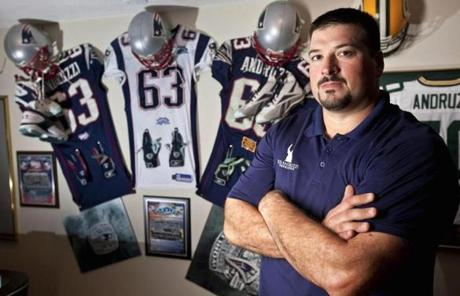 In 2007, Andruzzi was diagnosed with  non-Hodgkins Burkitt's lymphoma.