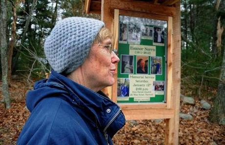 Norwell resident Elizabeth Gordon told a visitor about Eleanor Norris at the reservation .