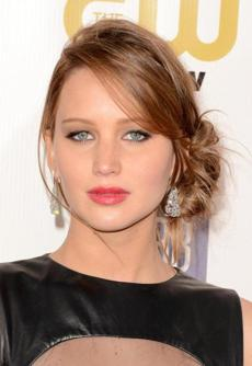 Jennifer Lawrence showed off side-swept bangs at the 18th Annual Critics' Choice Movie Awards.