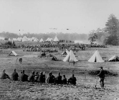 Confederate prisoners under Union guard, 1862.