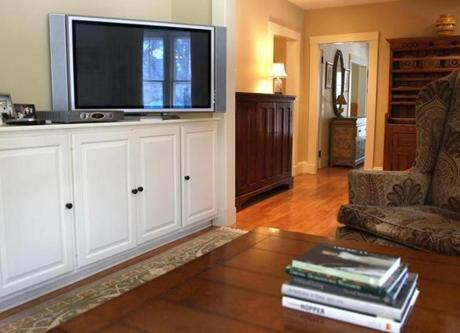 Dedham,Massachusetts 02-13-2013 TV area at Home of The Week at 6 Marion Street . ( Jonathan.Wiggs )Topic:Section:Reporter: Topic: Reporter: