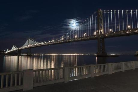 Philips Color Kinetics of Burlington developed an abstract light installation for the Bay Bridge in San Francisco.